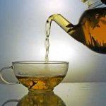 Un tè deteinato? Senza i soliti solventi