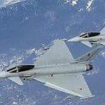 Otto aerei italiani si alzano in volo verso la Libia