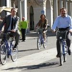 Bici vs auto: gli italiani preferiscono le due ruote