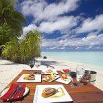 Estate: piccole insidie da evitare a tavola in vacanza