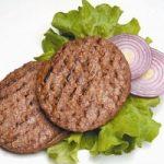 Hamburger contro insalata, sfatiamo un luogo comune