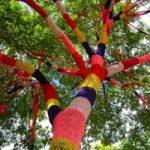 Citta', per renderle belle in Cornovaglia si fa guerriglia knitting