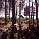 Dalla Svezia arriva la casa sull'albero a forma di cubo