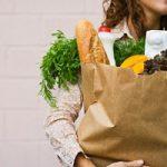 Gli italiani spendono sempre meno per la spesa alimentare