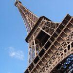 Visitare la Tour Eiffel, dalla poltrona di casa