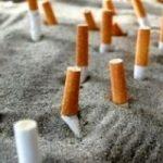 Ecologia creativa in spiaggia: comprasi mozziconi di sigarette ad un 1 cent