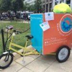 La lavanderia ecologica che si sposta porta a porta con la bici