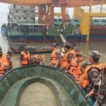 Tragedia in Cina, affonda traghetto