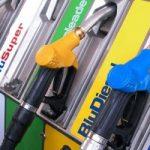 Aumenta il prezzo della benzina. Stangata per gli italiani