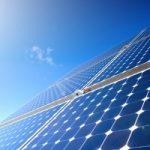 Pannelli solari che catturano la luce da ogni angolazione
