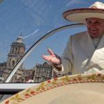Papa solidale con gli Indios: 'Vi hanno tolto la terra, ma il mondo ha bisogno di voi'