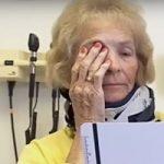Cieca da 21 anni torna a vedere dopo intervento alla spina dorsale