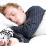Dormi solo 5 ore a notte? Il cuore è a rischio