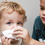 Con l'autunno torna il raffreddore: a rischio 300mila bimbi sotto i 6 anni