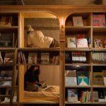 Una libreria hotel, con camere tra gli scaffali