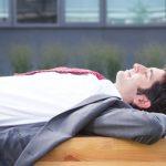 Viva la siesta! Sette ragioni per fare un pisolino