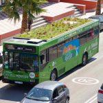 Il giardino che cresce sul tetto del bus è la nuova idea antismog