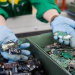 Il riciclo dei rifiuti elettronici cresce del 14% grazie alla raccolta in negozio