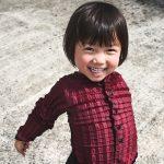 Vestiti ispirati agli origami che crescono insieme ai bambini