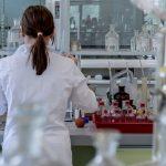 Intelligenze artificiali che aiutano i chimici